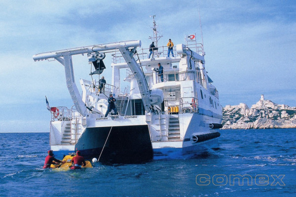 """1st catamaran semi-swath in France, 30m """"Janus"""" designed by MAURIC for COMEX. Its incredible seakeeping performances provided by the semi-swath hull form concept simplify operations and ROV launch and recovery."""