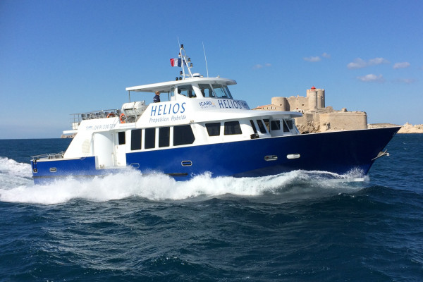 MAURIC designs the first French hybrid offshore passenger vessel (3rd category): HELIOS. With its zero-emission mode, HELIOS allows visiting Marseille Calanque without gas emission and in silence…With HELIOS, MAURIC starts its investment in the segment of low emission and green hybrid vessels.