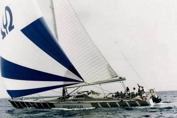André Mauric designs PIONEER a fast cruising sloop of 24.8m derived from Kriter VIII for Jacky Setton the importer  of PIONEER hi-fi brand.