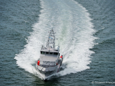 MAURIC-Patrol-Boat-320-DouanesFrancaises
