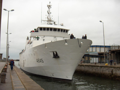 MAURIC-Diving-Support-Vessel-600-2