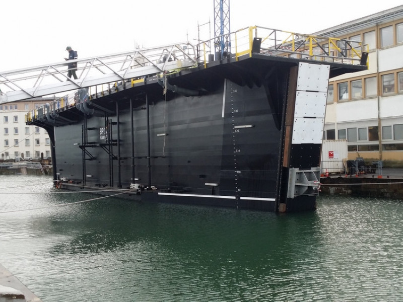 First Floating Gate 420 arrived in Toulon!