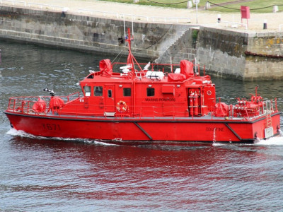 MAURIC-Fireboat-190-1